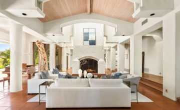 Dom Jamesa Camerona w Serra Retreat w Malibu