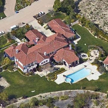 Dom Khloe Kardashian w Calabasas