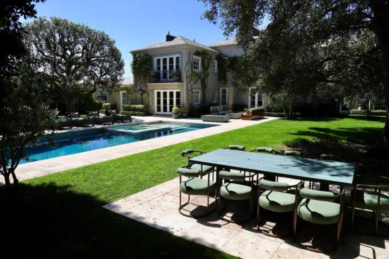 Dom sprzedany przez Elona Muska w Bel Air w Los Angeles