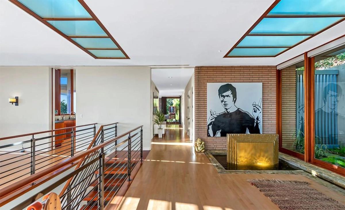 Dom Zaca Efrona w Los Feliz, Los Angeles