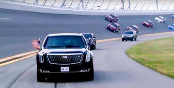 Donald Trump w Bestii na torze Daytona