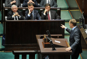 Donald Tusk i Jarosław Kaczyński w Sejmie, rok 2014