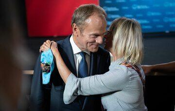 Donald Tusk w czasie spotkania z sympatykami w Nakle nad Notecią