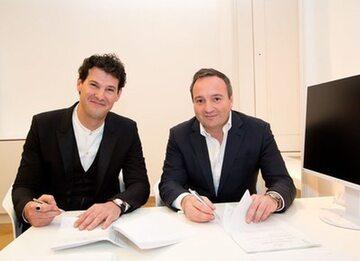 Dr Charalampos Arampatzis, mgr Andreas Prinz, podpisanie umowy