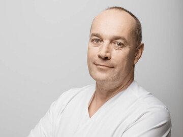 Dr Łukasz Prebisz, dermatolog i lekarz medycyny estetycznej