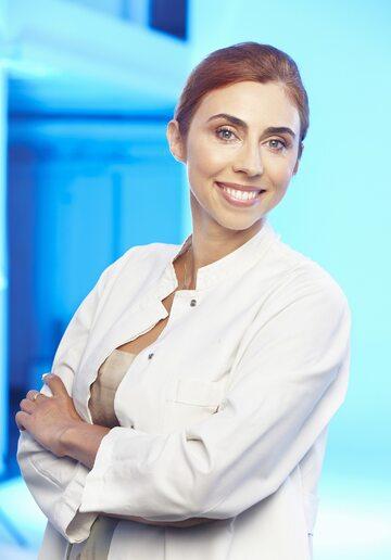 dr n. med. Kamila Padlewska, prof. nadz. UMMSC, specjalista dermatolog, właścicielka Kliniki Oricea