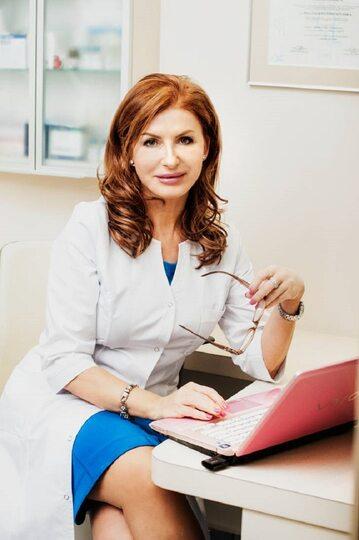 dr nauk med. Magdalena Łopuszyńska, dermatolog, certyfikowany lekarz medycyny estetycznej