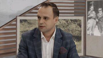 dr Tomasz Greniuch podczas organizowanego przez IPN wideoczatu z historią