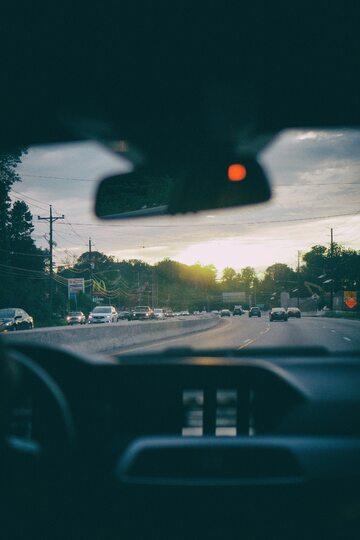 Droga, samochód, zdjęcie ilustracyjne