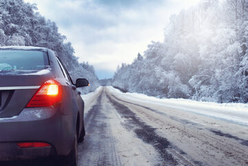 Droga, zima. zdj. ilustracyjne