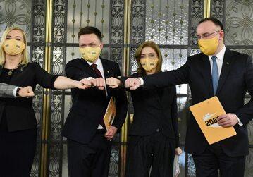 Działacze Ruchu Polska 2050 Szymona Hołowni