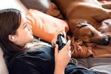 Dziewczyny i kobiety lubiące gry wideo wolą się ukrywać