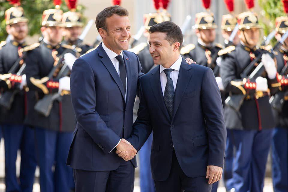 Emmanuel Macron i Wołodymyr Zełenski