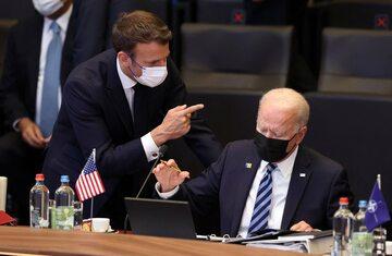 Emmanuel Macron, Joe Biden