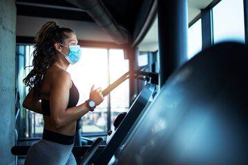 Epidemia uderzyła w kluby fitness i siłownie