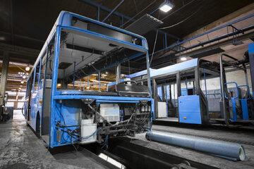 Fabryka autobusów, zdjęcie ilustracyjne