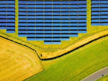 Farma fotowoltaiczna, zdjęcie ilustracyjne