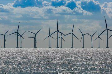 Farma wiatrowa (zdj. ilustracyjne)