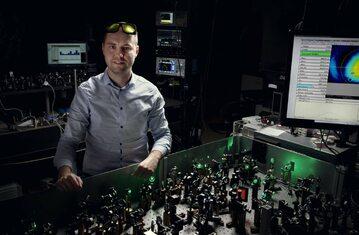 Firma Fluence postawiła sobie za cel udoskonalenie lasera femtosekundowego
