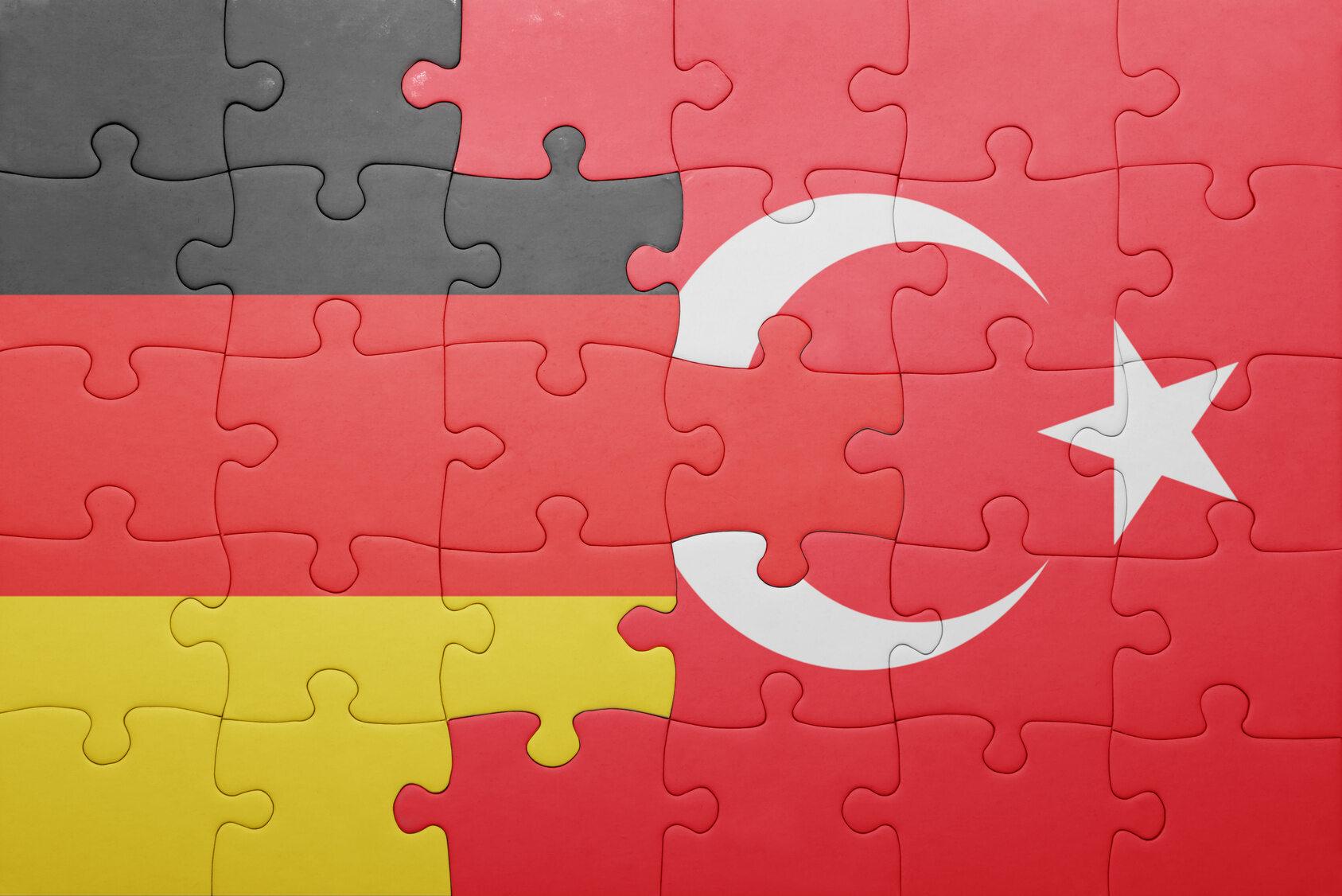 Flagi Niemiec i Turcji