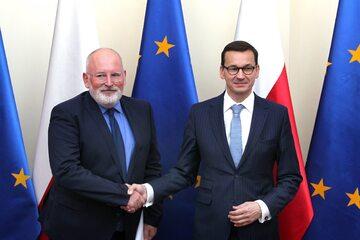 Frans Timmermans i Mateusz Morawiecki