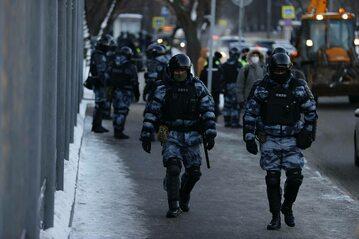 Funkcjonariusze na ulicach Moskwy