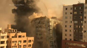 Gaza. Zburzenie budynku, w którym znajdowała się siedziba AP