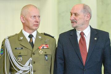Generał Różański i Antoni Macierewicz