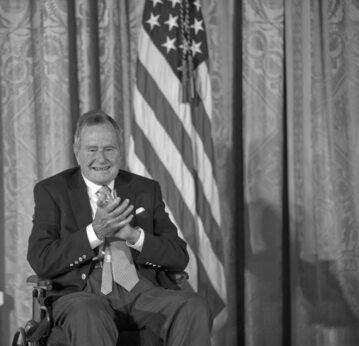 George H. W. Bush w 2013 r.