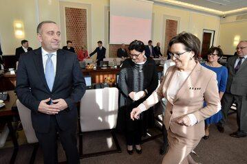 Grzegorz Schetyna i Ewa Kopacz na posiedzeniu rządu, 2015 rok