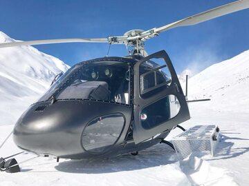 Helikopter należący do Kazbegi Helicopters