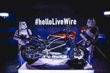#helloLiveWire