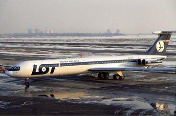 Ił-62, który uległ katastrofie (nr rej. SP-LAA). Zdjęcie wykonano na lotnisku w Nowym Jorku w styczniu 1979 roku.