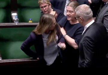 Incydent w Sejmie z udziałem Kingi Gajewskiej-Płochockiej i Krystyny Pawłowicz