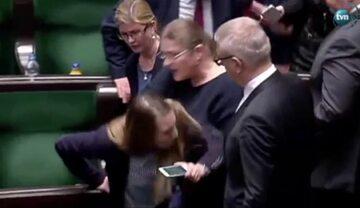 Incydent w Sejmie z udziałem posłanek PO i PiS
