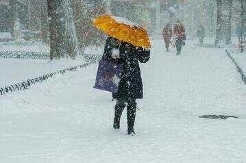 Intensywne opady śniegu, zdjęcie ilustracyjne