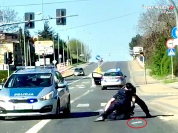 Interwencja policji wobec agresywnego mężczyzny