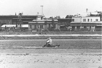 Izraelska łódź na Kanale Sueskim w czasie wojny sześciodniowej