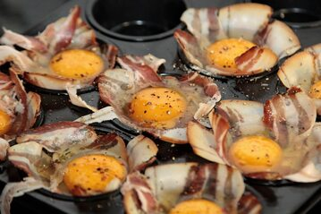 Jajka z bekonem