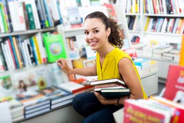Jak zaoszczędzić na zakupie podręczników szkolnych