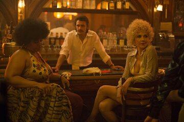 "James Franco, Maggie Gyllenhaal i Pernell w serialu ""Kroniki Times Square"""