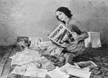 Janina Smolińska na sytuacyjnej fotografii dla amerykańskiej prasy