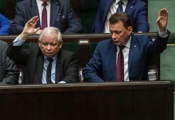 Jarosław Kaczyński i Mariusz Błaszczak w Sejmie