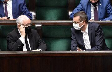 Jarosław Kaczyński i Mateusz Morawiecki w sejmowych ławach