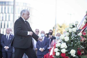 Jarosław Kaczyński w trakcie obchodów miesięcznicy smoleńskiej
