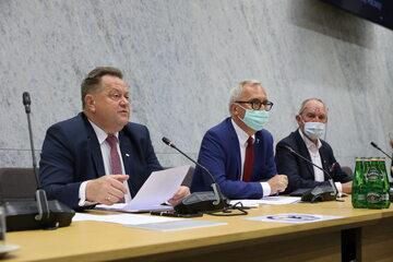 Jarosław Zieliński i posłowie sejmowej komisji regulaminowej