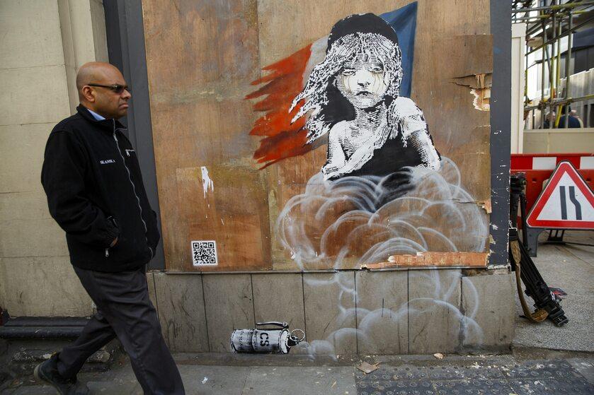 Jeden z murali Banksy'ego