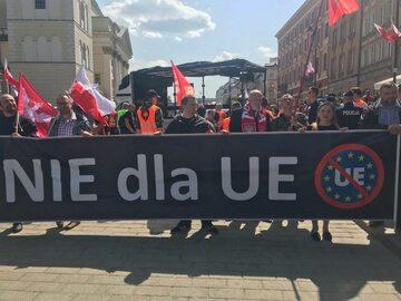 Jeden z transparentów na Marszu Suwerenności