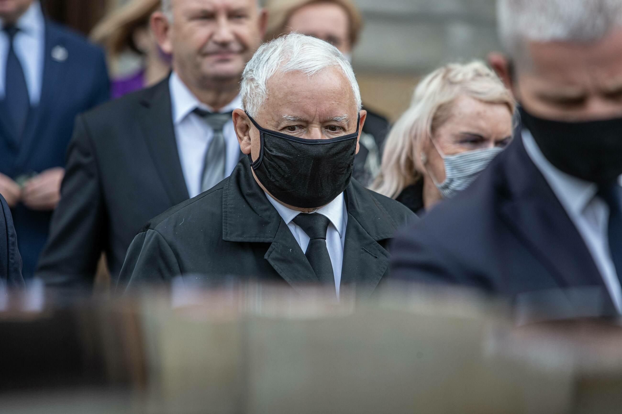 Jedna z miesięcznic smoleńskich, na zdjęciu: lider PiS Jarosław Kaczyński