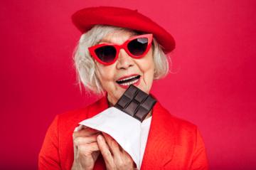 Jedzenie czekolady na śniadanie może mieć dobry wpływ na kobiety, które przechodzą menopauzę.